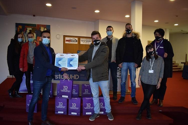 """Telemach donacijom Kulturnom centru """"Petar Kočić"""" u Mrkonjić Gradu obilježio 10 godina poslovanja"""