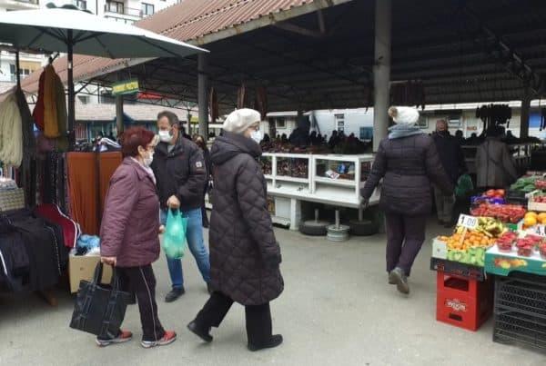 """Zelena pijaca u Travniku/ """"Stajling"""" zimski a ponuda proljetna!"""