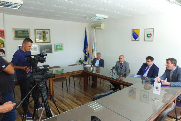 Prva PRESS konferencija načelnika Dautovića/ Govorilo se o tri najaktuelnija problema u Travniku