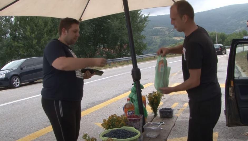 Kod njega su kupovali Bešlić i Jović / Novotravničanin bolje zaradi pored ceste nego na tezgi na pijaci!